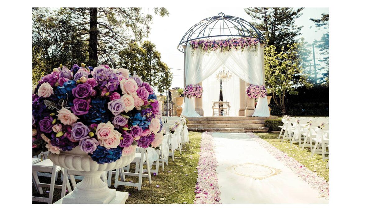 الزامات گل آرایی باغ عروسی
