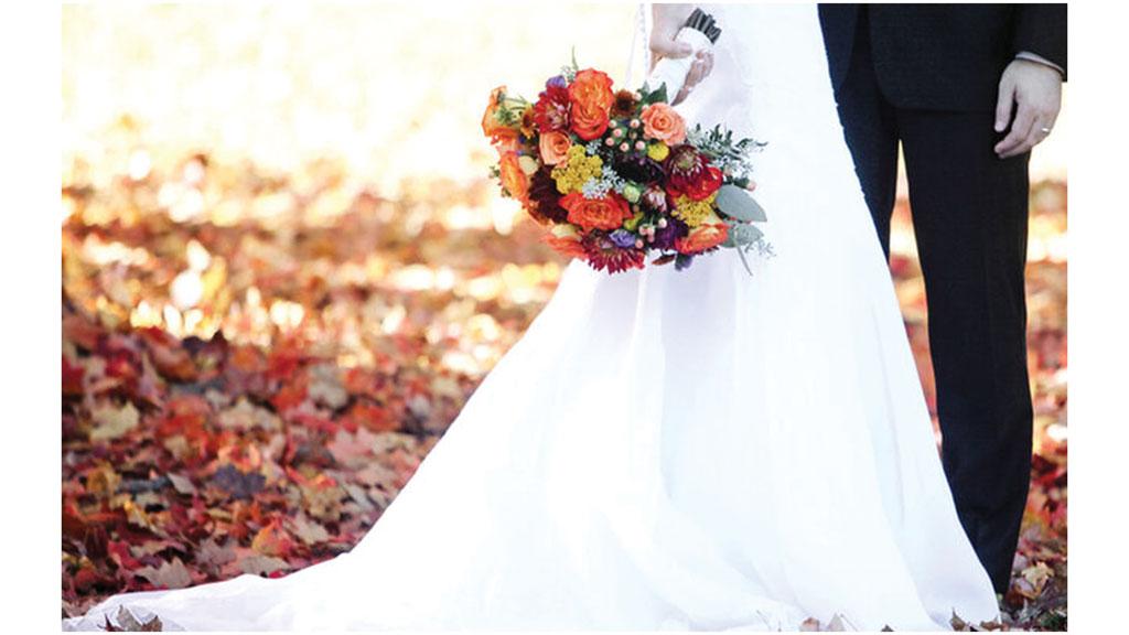 مراسم پرت کردن دسته گل عروس