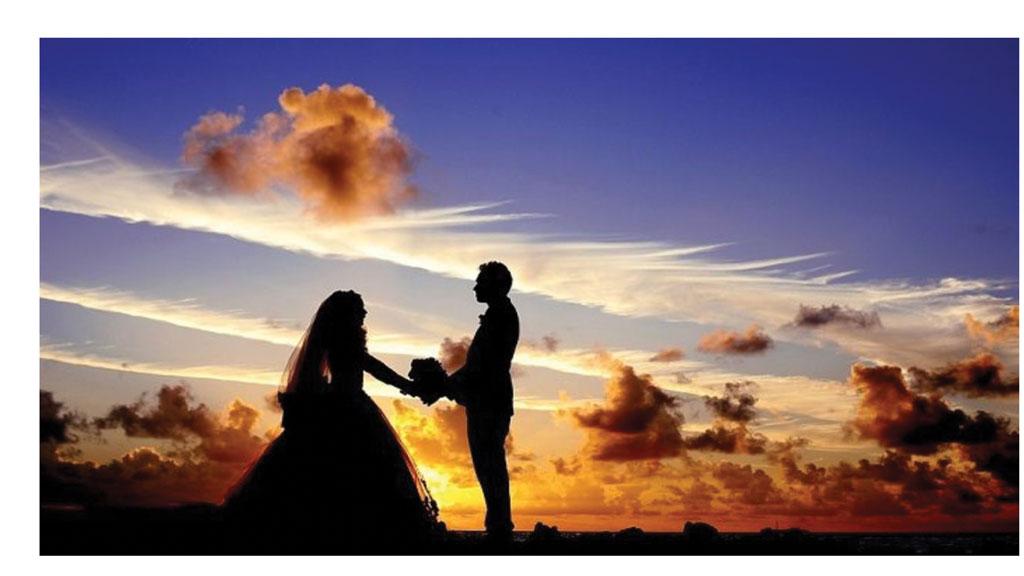 گرفتن عروسی یا رفتن به سفر